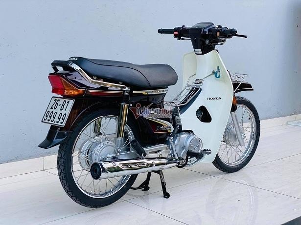 Honda Dream Việt biển ngũ 9 độc nhất miền Bắc giá gần 400 triệu đồng - ảnh 1