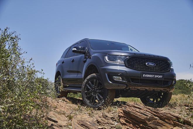 Giá xe Ford Everest lăn bánh tháng 10/2021 - ảnh 2