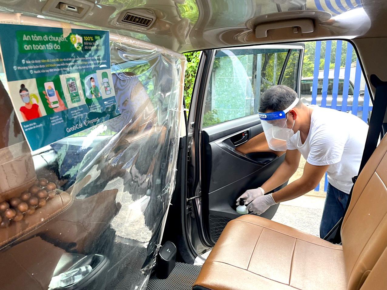 Khôi phục hoạt động gọi xe công nghệ Grab tại Hà Nội - ảnh 1