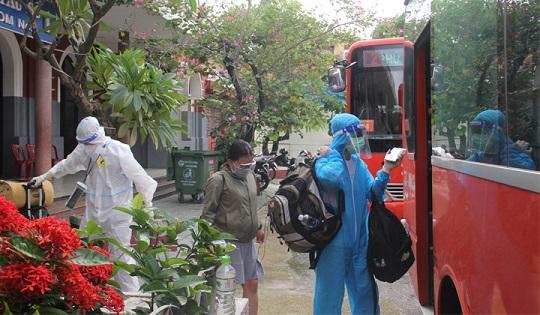 Thêm 600 công dân gặp khó khăn do dịch bệnh được về quê Thừa Thiên - Huế bằng tàu hỏa - ảnh 3