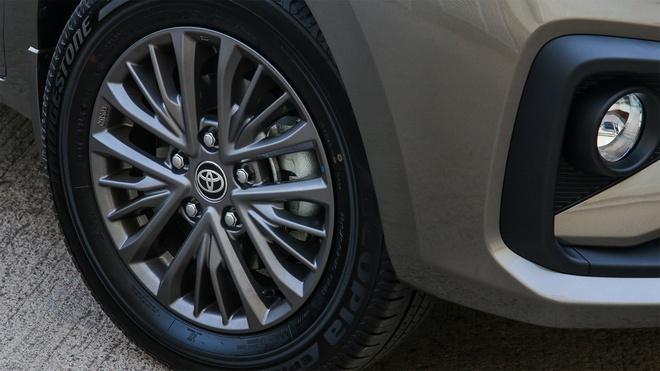 Toyota giới thiệu xe 7 chỗ mới tại Nam Phi - ảnh 6