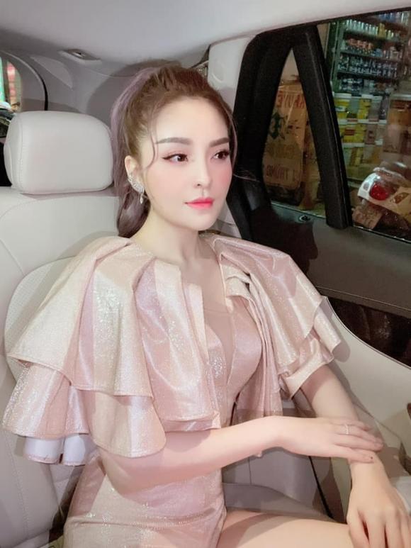Cháu gái của Kim Tiểu Long công khai bạn trai mới sau 2 năm ly hôn chồng - ảnh 13