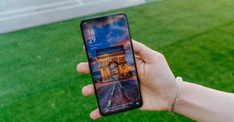 Những smartphone mạnh mẽ, thiết kế đẹp khiến bạn quên cả iPhone