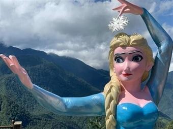 Góc nhìn 365: Tượng Elsa và sự tâm huyết... lạc nhịp