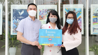 Hai trường học từ Hà Nội, Hưng Yên góp 220 triệu đồng ''Cùng Tuổi Trẻ chống dịch COVID-19'' .