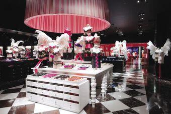 Victoria's Secret gỡ bỏ hình ảnh thiên thần nội y