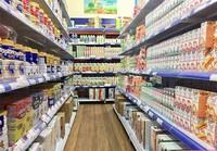 Sữa, đồ uống không phải hàng hóa thiết yếu, địa phương này cho bán, địa phương khác lại không
