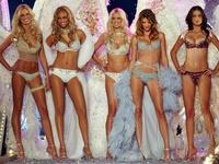 Sự thay đổi của show nội y Victoria's Secret qua 26 năm
