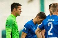Filip Nguyễn bắt chính trong trận ra mắt đội bóng mới