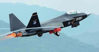 [ẢNH] Su-75 Nga chói sáng mọi thông số, nhưng coi chừng đối thủ J-31 Trung Quốc