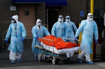 """""""Quái vật"""" Delta gây tải lượng virus cao gấp 1.000 lần chủng ban đầu"""