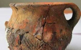 Lão nông đào được một chiếc nồi lớn liền đập vỡ để lấy 20 kg vàng, chuyên gia ''thót tim'': Ông đã phạm sai lầm lớn!
