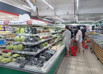Hà Nội: Siêu thị đầy ắp hàng hóa, tăng cường bán hàng online cho người dân Thủ đô