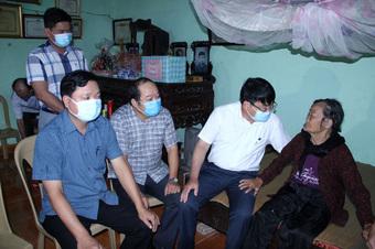 Thanh Hóa: Thăm, tặng quà gia đình chính sách tại thị xã Nghi Sơn
