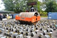 Malaysia triệt phá đường dây trộm điện để `đào` tiền điện tử