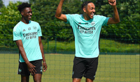 2 tân binh ghi dấu ấn trên sân tập Arsenal