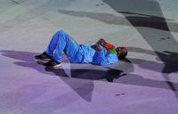 """13 năm rồi nghe lại bài chủ đề Olympic Bắc Kinh 2008 vẫn sởn da gà, MV """"hàng hiếm"""" quy tụ hơn 100 ngôi sao """"đỉnh của chóp"""""""