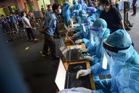 TP HCM xin Thủ tướng chi viện nhân lực chống dịch COVID-19