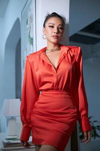 National Costume của Kim Duyên gửi tới Miss Universe mang đậm văn hóa miền Tây: Cầu kì hơn cả Kén Em
