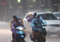 Tâm áp thấp nhiệt đới cách bờ biển Thanh Hoá 130km về phía Đông, gió giật cấp 8