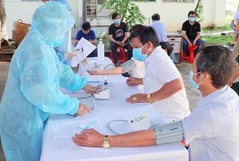 Bình Dương phát động chiến dịch tiêm vắc xin cho hơn 1 triệu dân và công nhân lao động