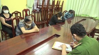 Tụ tập lúc cách ly xã hội, 6 phụ nữ bị đề nghị xử phạt 90 triệu đồng