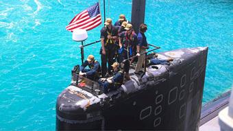 """Quyết không để Trung Quốc vượt mặt, Mỹ tính trang bị cho các """"hố đen đại dương"""" tính năng khủng!"""