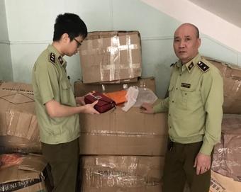 Lào Cai: Tạm giữ 1.440 sản phẩm nhập lậu
