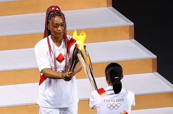 Chân dung nữ VĐV vinh dự thắp đuốc khai mạc Olympic Tokyo 2020: Tài giỏi, xinh đẹp và nói cảm ơn Meghan với lý do đặc biệt