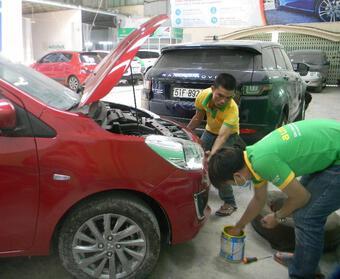 Xe nằm im ngày giãn cách, làm gì để bảo vệ lớp sơn ô tô?