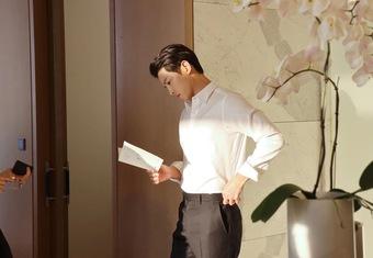 Song Hye Kyo comeback cực mạnh tái hợp đạo diễn Hậu Duệ Mặt Trời, nhận liên tục 3 phim