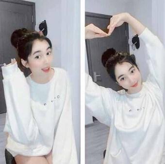 Bạn gái kém 27 tuổi của chồng cũ Lệ Quyên mặc đẹp với mốt no pant