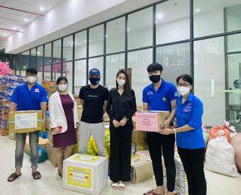Thủy Tiên lên tiếng khi bị tố ''''nhận vơ'''' 100 tấn gạo tiếp tế cho Sài Gòn