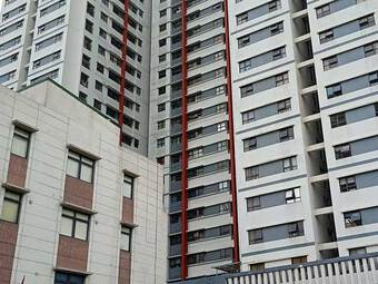 Tin tức 24h qua:Rơi từ tầng 6 chung cư xuống tầng 3, bé trai 3 tuổi tử vong