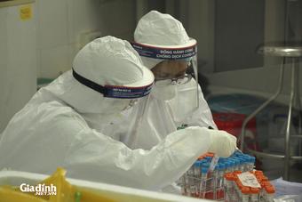 Hà Nội có 23 ca dương tính SARS-CoV-2 trong ngày đầu giãn cách toàn TP