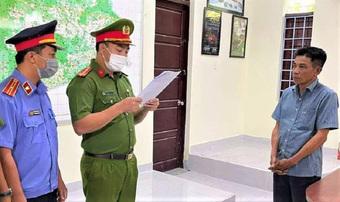 Trạm trưởng kiểm lâm bị bắt tạm giam vì nhận hối lộ để lâm tặc phá rừng
