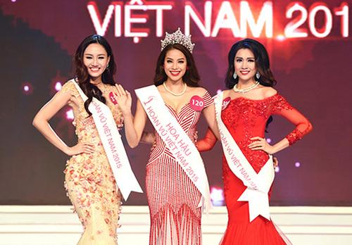 """Á hậu Hoàn vũ """"nhọ"""" nhất Việt Nam: Mặc đồ xấu như bị hại, vì đôi guốc mà suýt """"xoè"""" ngay trên sân khấu"""