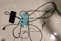 Học sinh lớp 2 bị điện giật tử vong khi cầm điện thoại của bố chơi