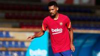 Tài năng bị Barca hắt hủi: ''Ở đó, họ thậm chí còn không đối xử với tôi như một cầu thủ bình thường''