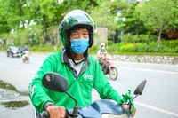 Hà Nội tạm cấm shipper, Grab lên tiếng: Thiếu nhất quán, chưa hợp lý!