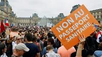 160.000 người Pháp biểu tình phản đối áp dụng 'giấy thông hành y tế'
