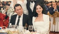 Tình trẻ của chồng cũ Lệ Quyên mặc đồ ngắn trên bó dưới khoe vóc dáng ''cực ngọt''