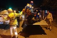 CSGT Đà Nẵng xuyên đêm dẫn đường, hỗ trợ đoàn xe máy từ TPHCM về quê