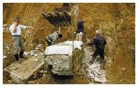 Ngôi mộ bé gái 5 tuổi được khai quật ở Sơn Đông cùng chiếc áo cưới đính vàng, các chuyên gia hét lên sau khi danh phận cô bé được xác nhận!