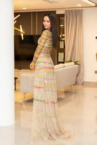 Lâu lắm Hoa hậu H'Hen Niê mới mặc áo dài đẹp thế này, nhưng tại sao vẫn bị trừ điểm?