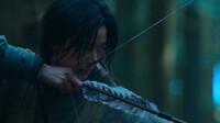 Review ''Kingdom: Ashin of the North'': Ít zombie, thiếu cao trào và màn debut an toàn của Jun Ji Hyun