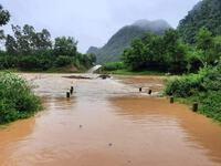 Quảng Bình: Nhiều địa bàn bị chia cắt do lũ