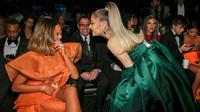 Ariana Grande và những outfit công chúa đỉnh của chóp, có set nhẩm tính sơ qua đã lên đến 241 tỷ đồng
