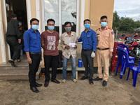 Nhiều tấm lòng vàng giúp người đàn ông đi bộ 16 ngày từ Đắk Lắk về Bình Phước