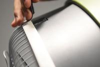 Tiết kiệm tiền điều hòa với phụ kiện lắp vào quạt điện giúp hút ẩm, giảm nóng bức ngay lập tức